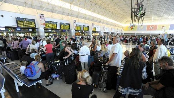 turistas aeropuerto